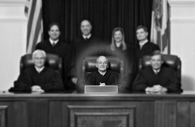 نقش دادستان در بازی مافیا